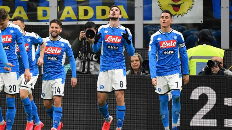 Coppa Italia, Inter si sveglia tardi: prodezza Fabian Ruiz, Napoli vede finale
