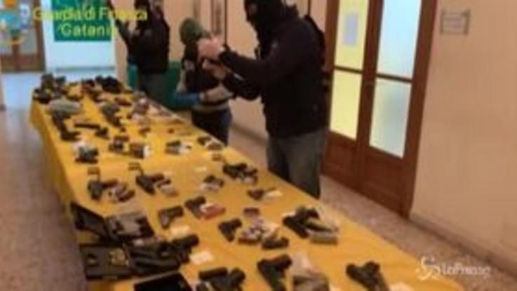Catania, sequestrato arsenale sottoterra: 32 armi e 3mila munizioni