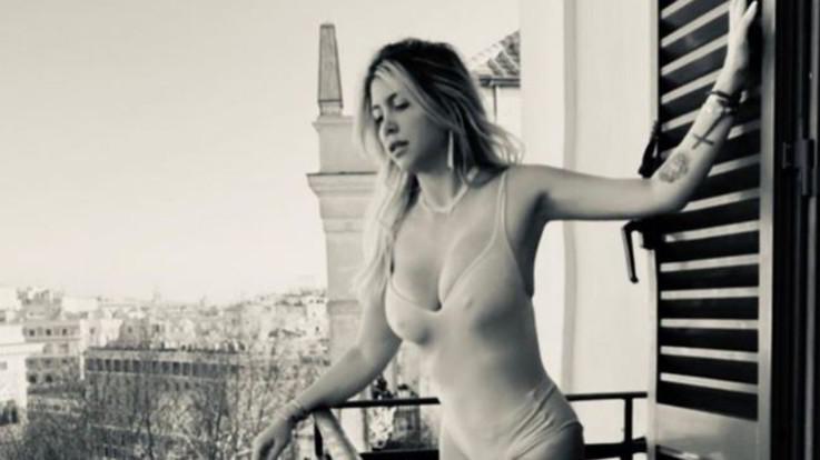 La 'dolce vita' di Wanda Nara: buongiorno hot dal balcone