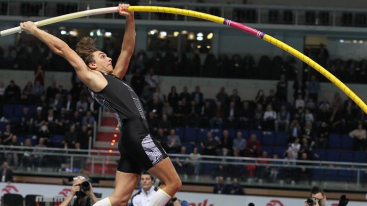 Atletica, Duplantis migliora record nell'asta: 6,18 e nuovo primato