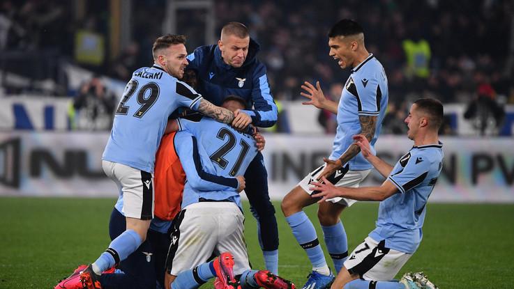 La Lazio batte l'Inter ed è seconda