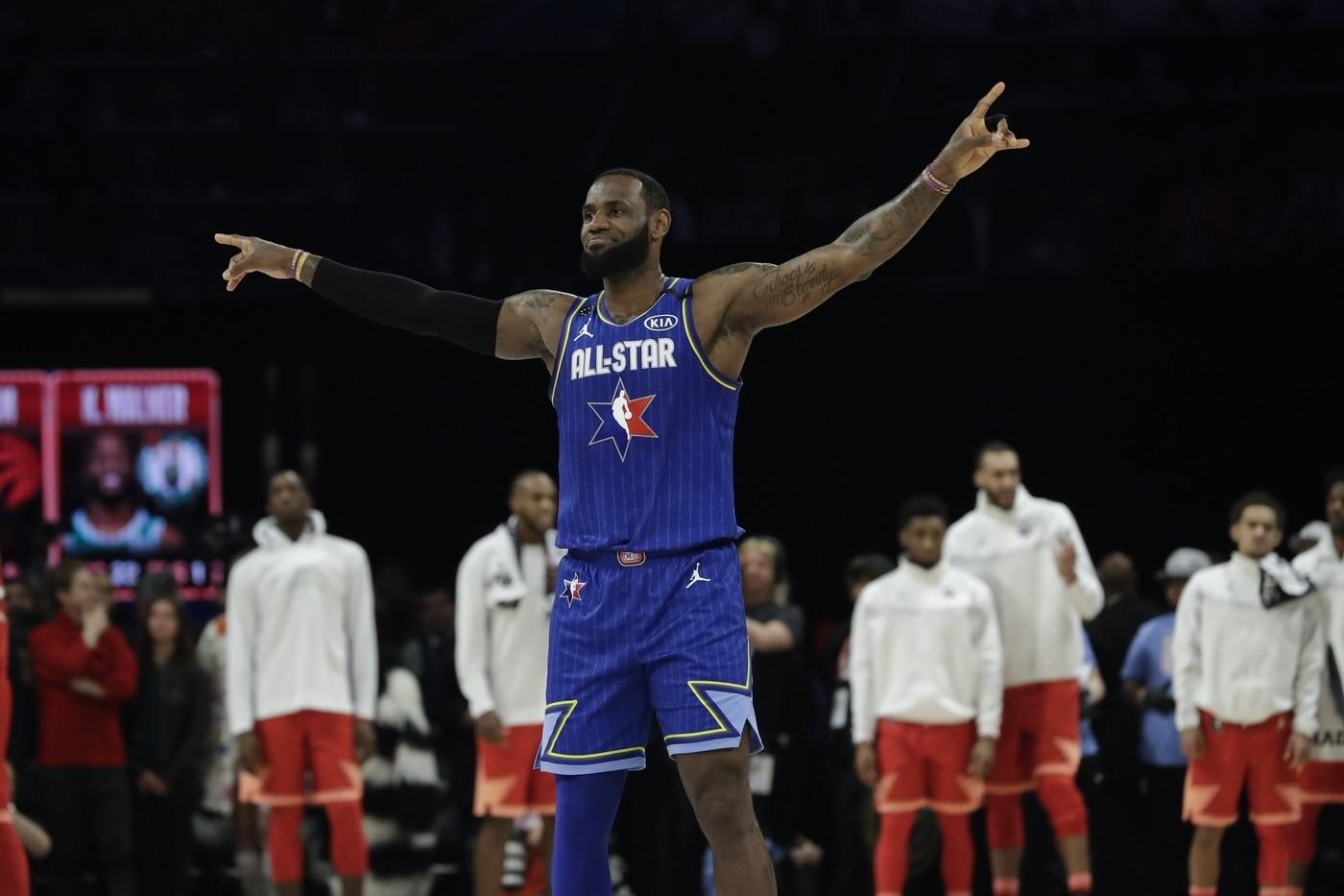 Nba: team LeBron rimonta e vince l'All Star Game. Mvp a Kawhi Leonard