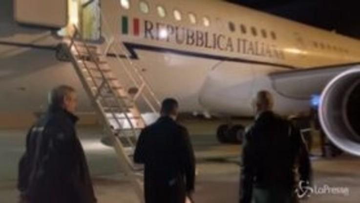 Coronavirus, Di Maio e Borrelli a Ciampino per partenza volo sanitario