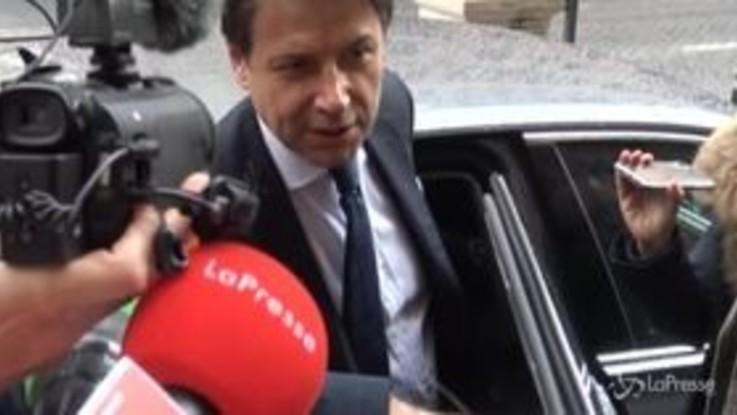 Conte difende Renzi davanti ai cronisti parlamentari. Ma solo 'di nome'