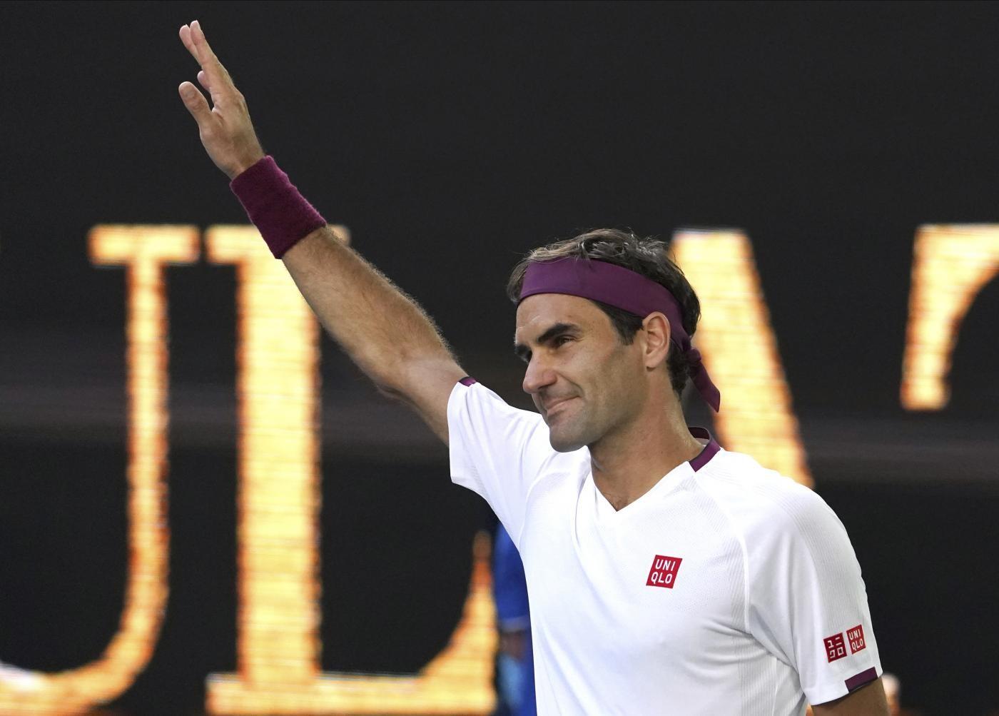 Roger Federer operato al ginocchio: tornerà per Wimbledon