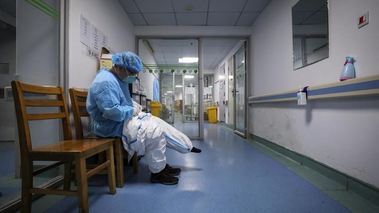Coronavirus, un contagio in Lombardia: 38enne in terapia intensiva a Codogno