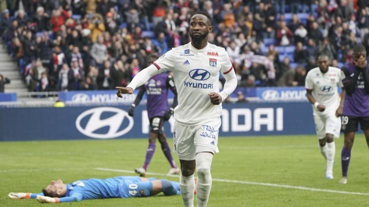 Ligue 1: Lione passa a Metz 2-0