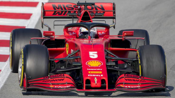 F1: la Mercedes è già davanti. Per le Rosse problemi di affidabilità