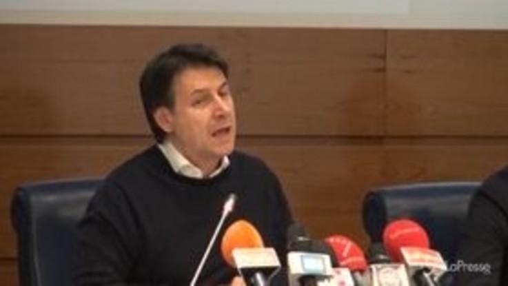 """Coronavirus, Conte: """"Sanzioni per chi esce da focolai ma patto di fiducia coi cittadini"""""""