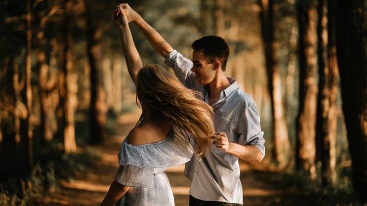 L'oroscopo di martedì 25 febbraio, Pesci: amore sempre più coinvolgente