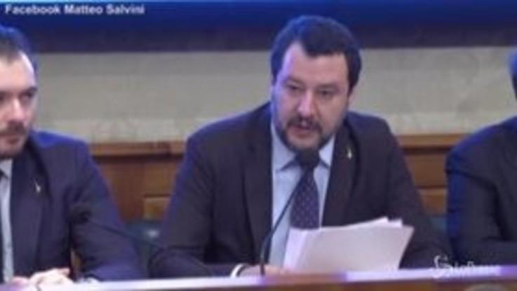 """Coronavirus, Salvini a Conte: """"Può telefonare, basta che usi il numero giusto"""""""