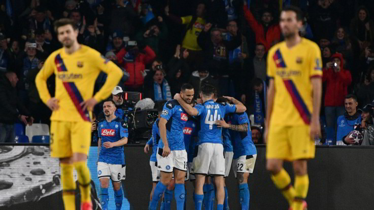 Champions League, il record di Mertens non basta al Napoli, col Barça finisce 1-1