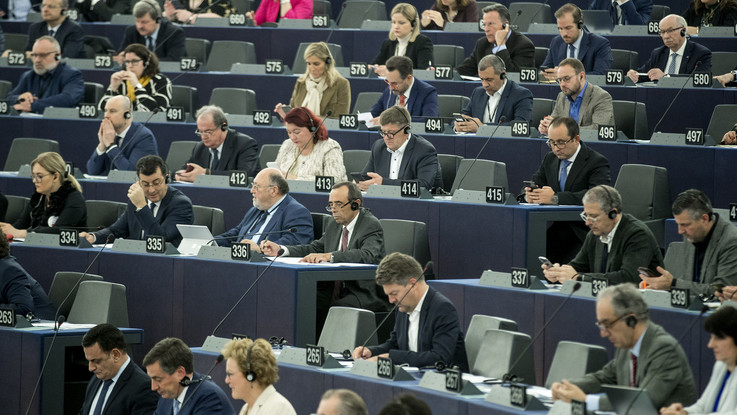 Europarlamento chiede autoquarantena ai deputati del nord Italia