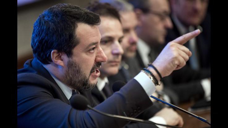 Salvini da Mattarella: Conte nel mirino e rilancio governissimo