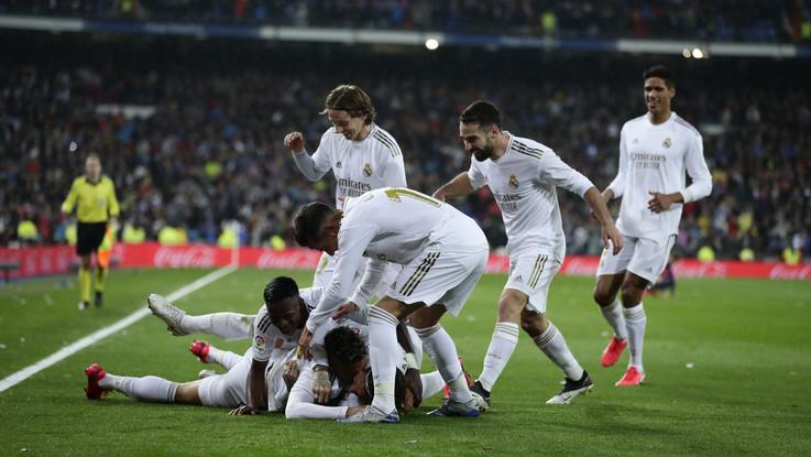 Liga: Real vince il Clasico sotto gli occhi di Cr7, Barça ko 2-0