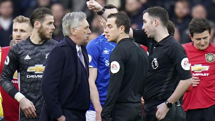 Premier: Everton, pari e polemiche con lo United. Ancelotti espulso, Mourinho ko