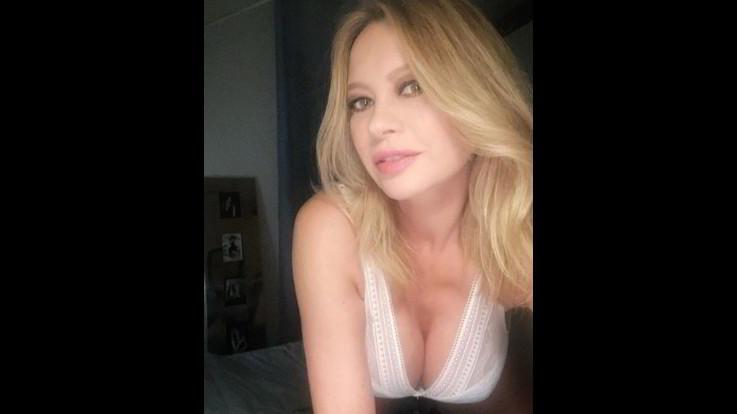 Anna Falchi, l'intimo sexy che fa volare i tifosi della Lazio