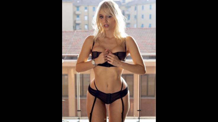 Asia Valente, un pò GF Vip, molto sexy playmate