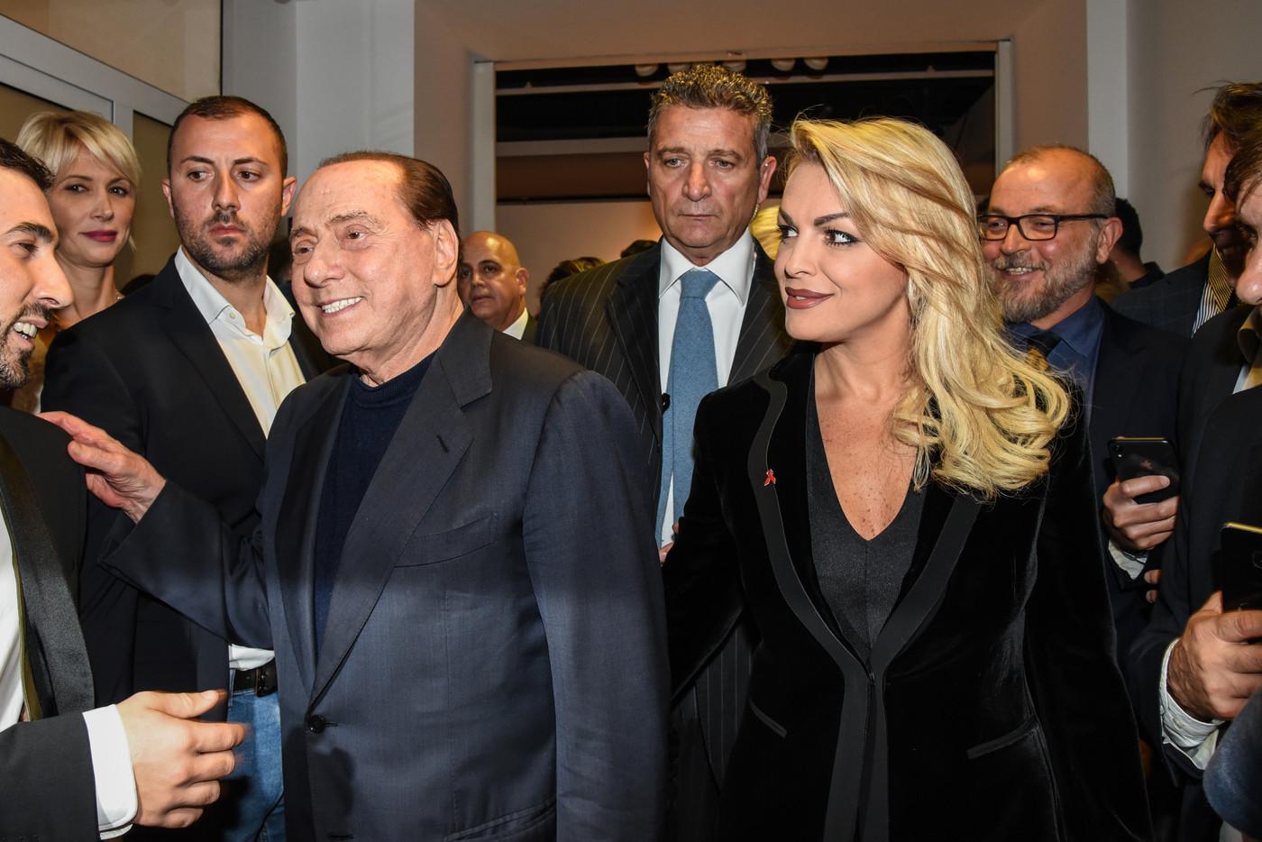 Forza Italia: Berlusconi e Pascale non sono più una coppia