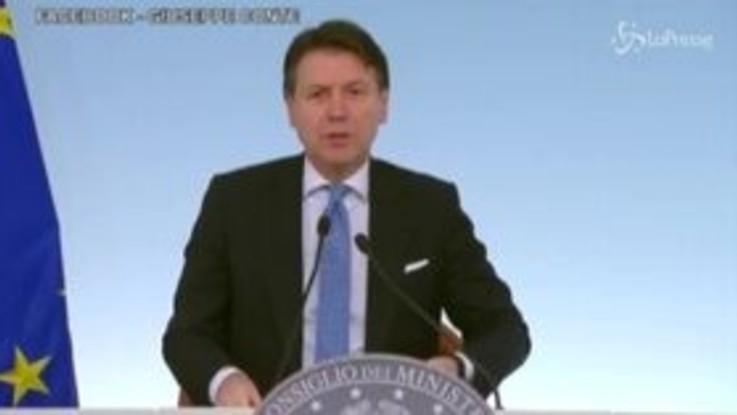 """Coronavirus, Conte: """"Referendum rinviato 'sine die'"""""""