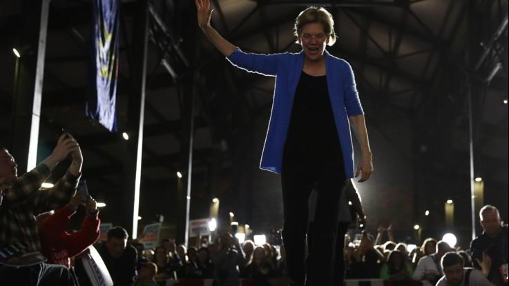 Usa 2020, Elizabeth Warren si ritira da primarie Dem