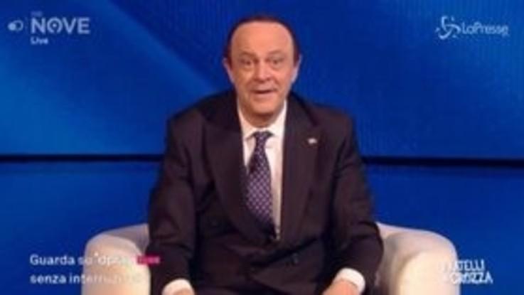 """Crozza-Berlusconi: """"Fino al terzo grado di virus sono tranquillo"""""""