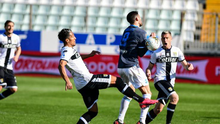 Serie A, la Spal passa a Parma nel primo match a porte chiuse