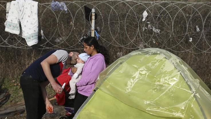 Migranti, Erdogan alla Grecia: Aprite i confini e fateli passare in Ue