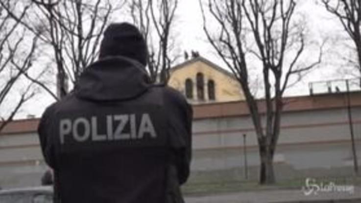 San Vittore, i detenuti tentano di sfondare le grate