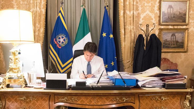 """Coronavirus, Conte: """"Le restrizioni vengono estese a tutta Italia"""""""