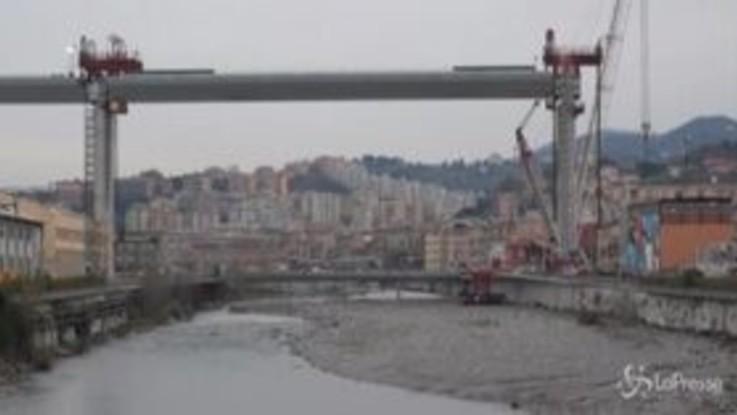 Il cantiere del Nuovo Ponte di Genova: sollevata grande campata centrale