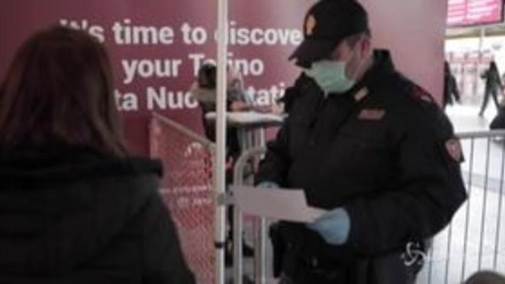 Coronavirus, controlli serrati alla stazione di Torino Porta Nuova