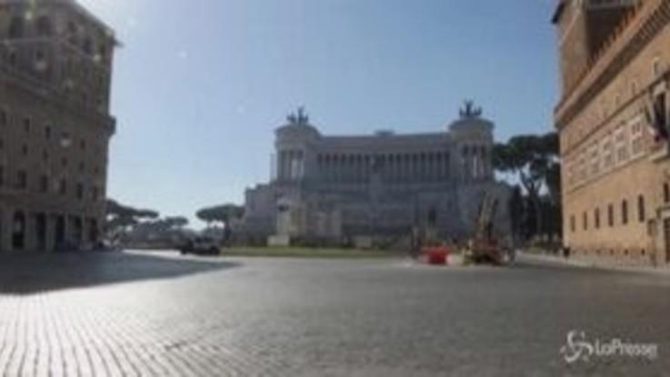 Coronavirus, negozi chiusi e strade deserte a Roma