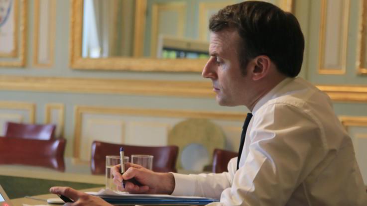 Francia, Macron annuncia la chiusura di scuole e università