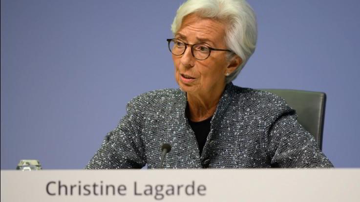 Coronavirus, Lagarde irrita Italia e corregge tiro. Mattarella: Ue non ostacoli