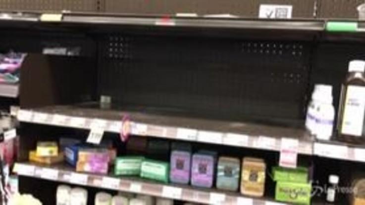 Coronavirus, supermercati svuotati a Los Angeles