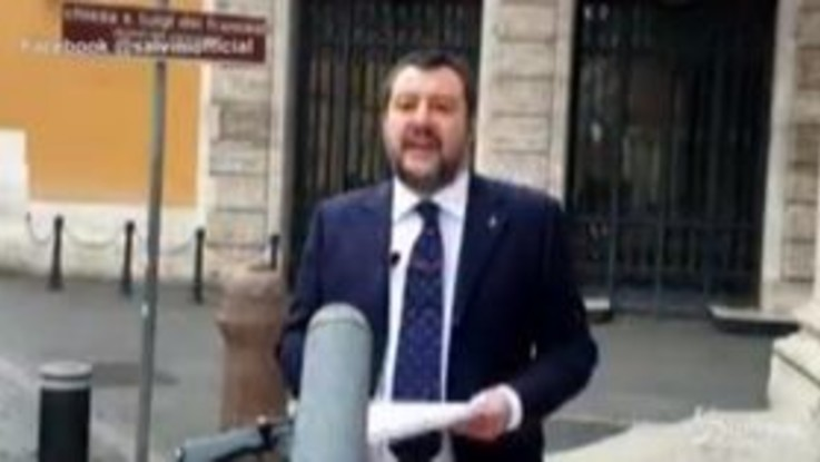 """Coronavirus, Salvini: """"Si riunisca il Parlamento per fare chiarezza sul Dl Cura Italia"""""""