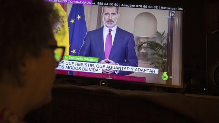 Coronavirus, Re Felipe parla alla nazione: E' necessario resistere e resistere. Crescita esponenziale dei contagi nel paese iberico