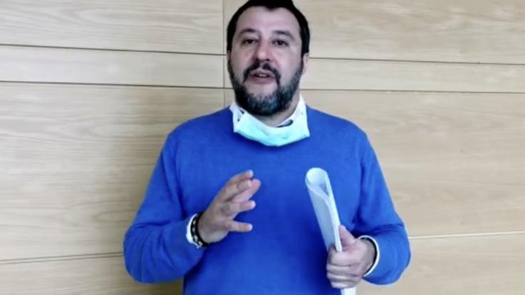 Coronavirus, Salvini:  chiudere  tutto