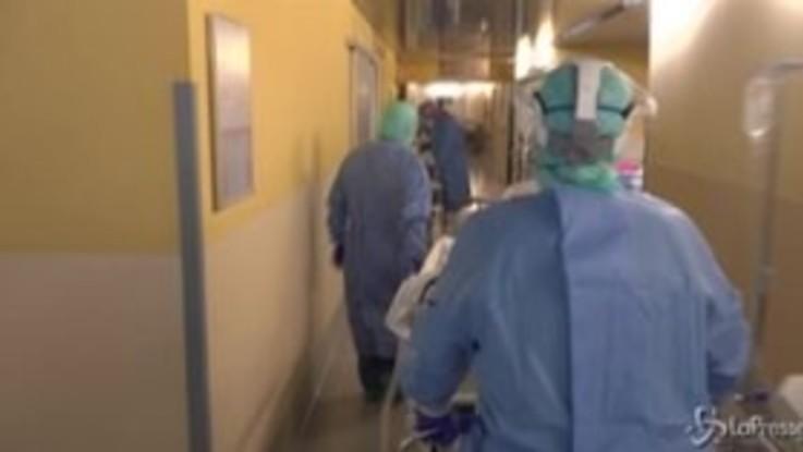 Terapia intensiva dell'Ospedale di Bergamo: viaggio nel reparto trincea contro il Coronavirus