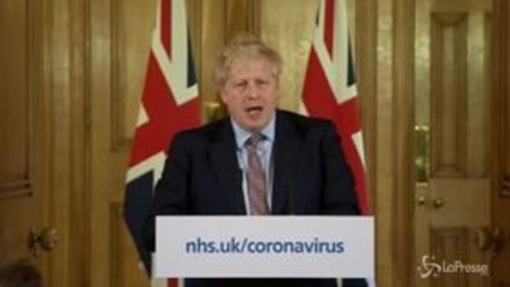 Coronavirus, il Regno Unito ci ripensa e chiude tutto