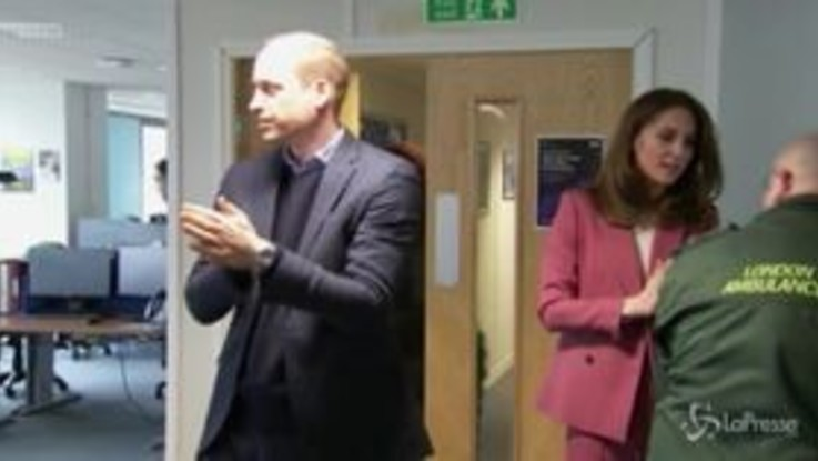 Coronavirus, William e Kate in visita agli operatori sanitari di Londra