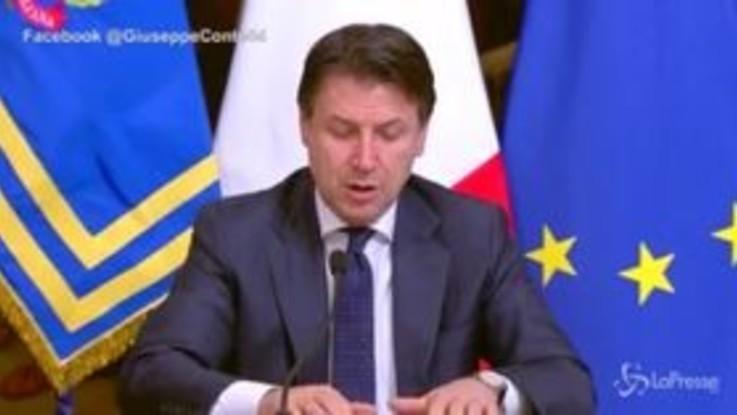 """Conte: """"Chiuse attività produttive non necessarie in tutta Italia"""""""