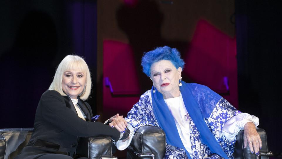 Lucia Bosé con Raffaella Carrà nel 2018 ©