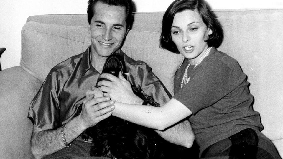 Lucia Bosé con il marito, il torero Luis Dominguin ©