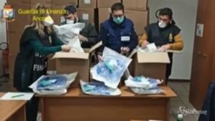 Coronavirus, Ancona: maxi-sequestro di ventilatori per terapia intensiva destinati all'export