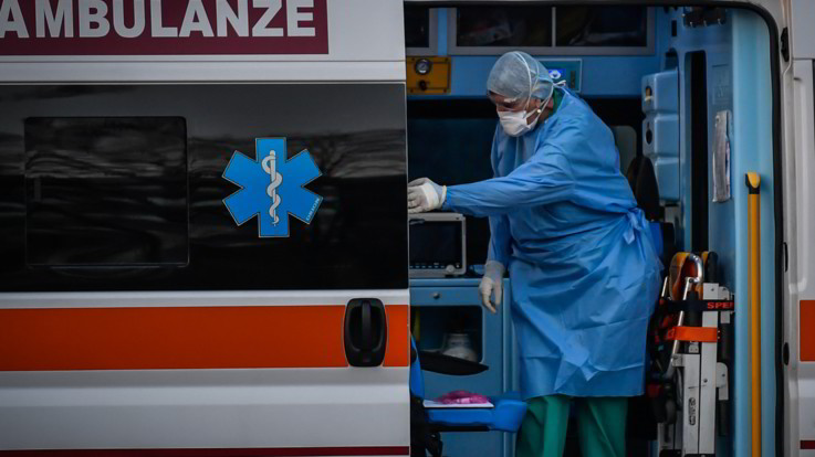 """Coronavirus, Oms: """"Picco entro prossima settimana"""" Verso l'Italia terzo team di medici dalla Cina"""