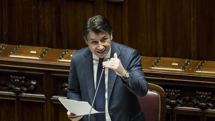 """Coronavirus, Conte: """"Confronto più  intenso con opposizioni per decreto di aprile"""""""