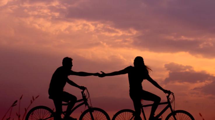 L'oroscopo di lunedì 30 marzo, Leone: Chi vi ama aspetta solo un vostro cenno