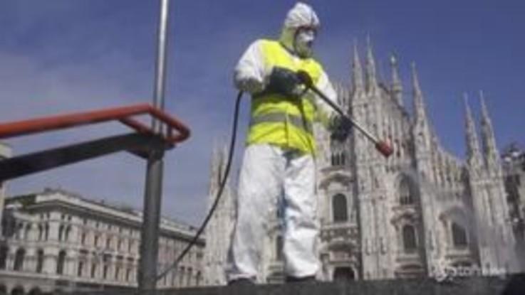 Coronavirus, Milano: sanificazione di Piazza Duomo